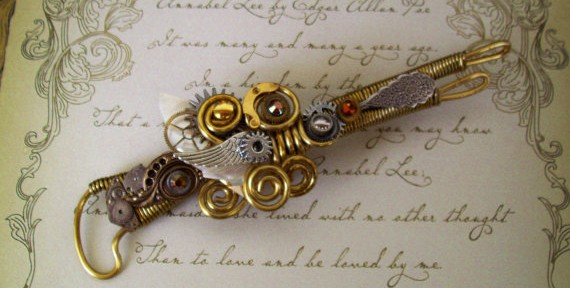 Steampunk-pin-brooch-ray-gun-retro-futuristic-design-sculpture-By-Steampunk-artist-Friston Hookano