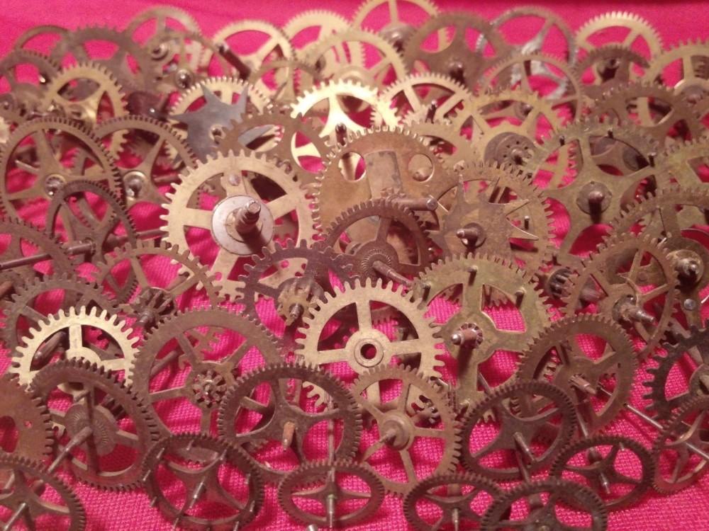 vintage clock gears (3)